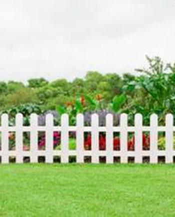 Bordura tradicional para jardín blanco