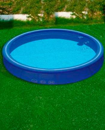 cesped-piscina